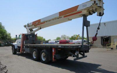 Utilidad de los camiones pluma en construcción
